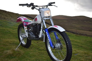 Picture of 1991 Classic Yamaha TY250 Pinky. Stunner