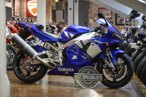 Picture of 2002 Yamaha YZF-R1 Ecellent Late Carb Example For Sale