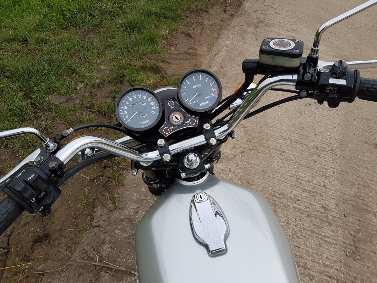 1976 Yamaha RD250C Rare wire wheel with rear disc model For Sale (picture 6 of 8)