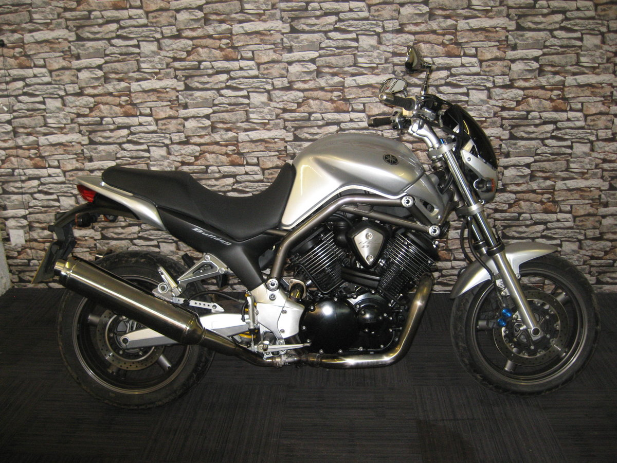 2004 04-reg Yamaha BT 1100 Bulldog finished in silver For Sale (picture 1 of 12)