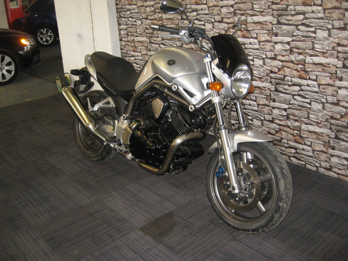2004 04-reg Yamaha BT 1100 Bulldog finished in silver For Sale (picture 2 of 12)