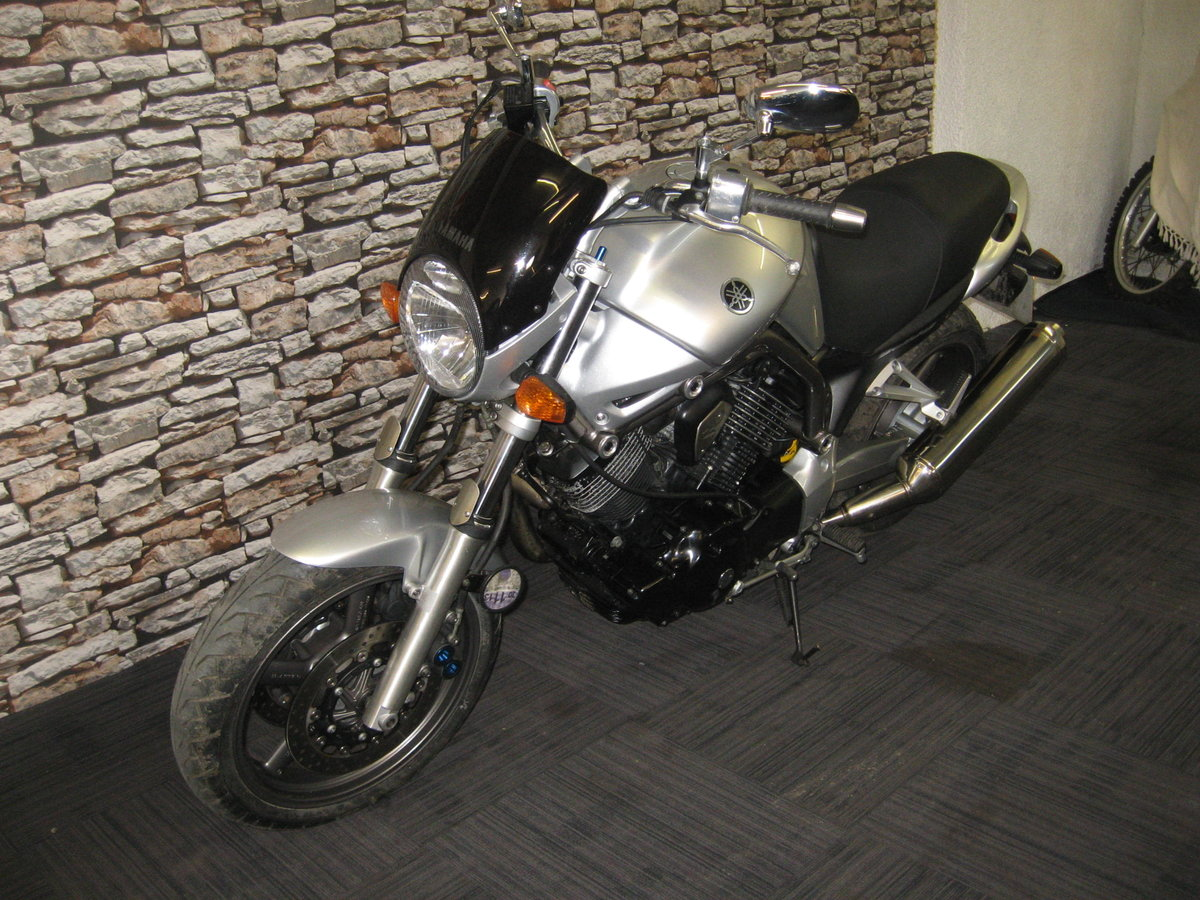 2004 04-reg Yamaha BT 1100 Bulldog finished in silver For Sale (picture 3 of 12)