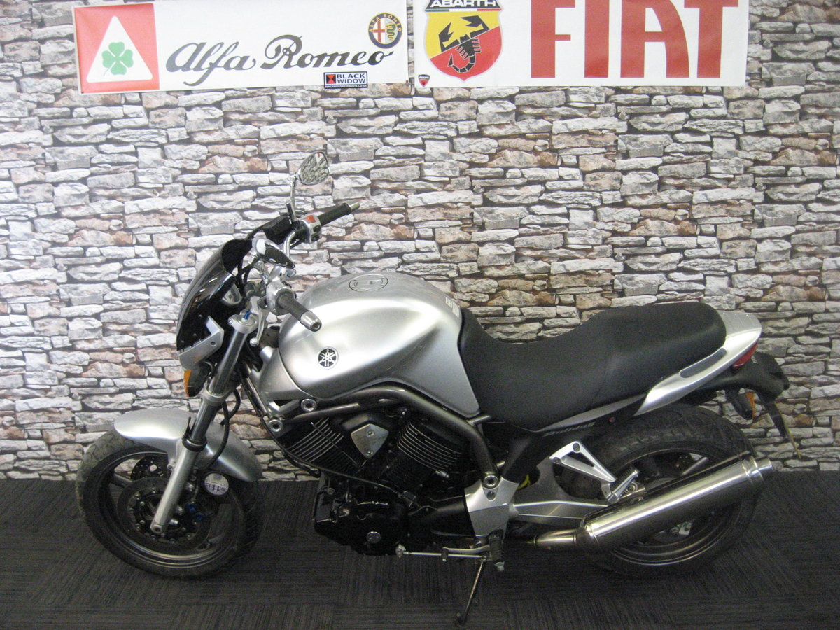 2004 04-reg Yamaha BT 1100 Bulldog finished in silver For Sale (picture 4 of 12)