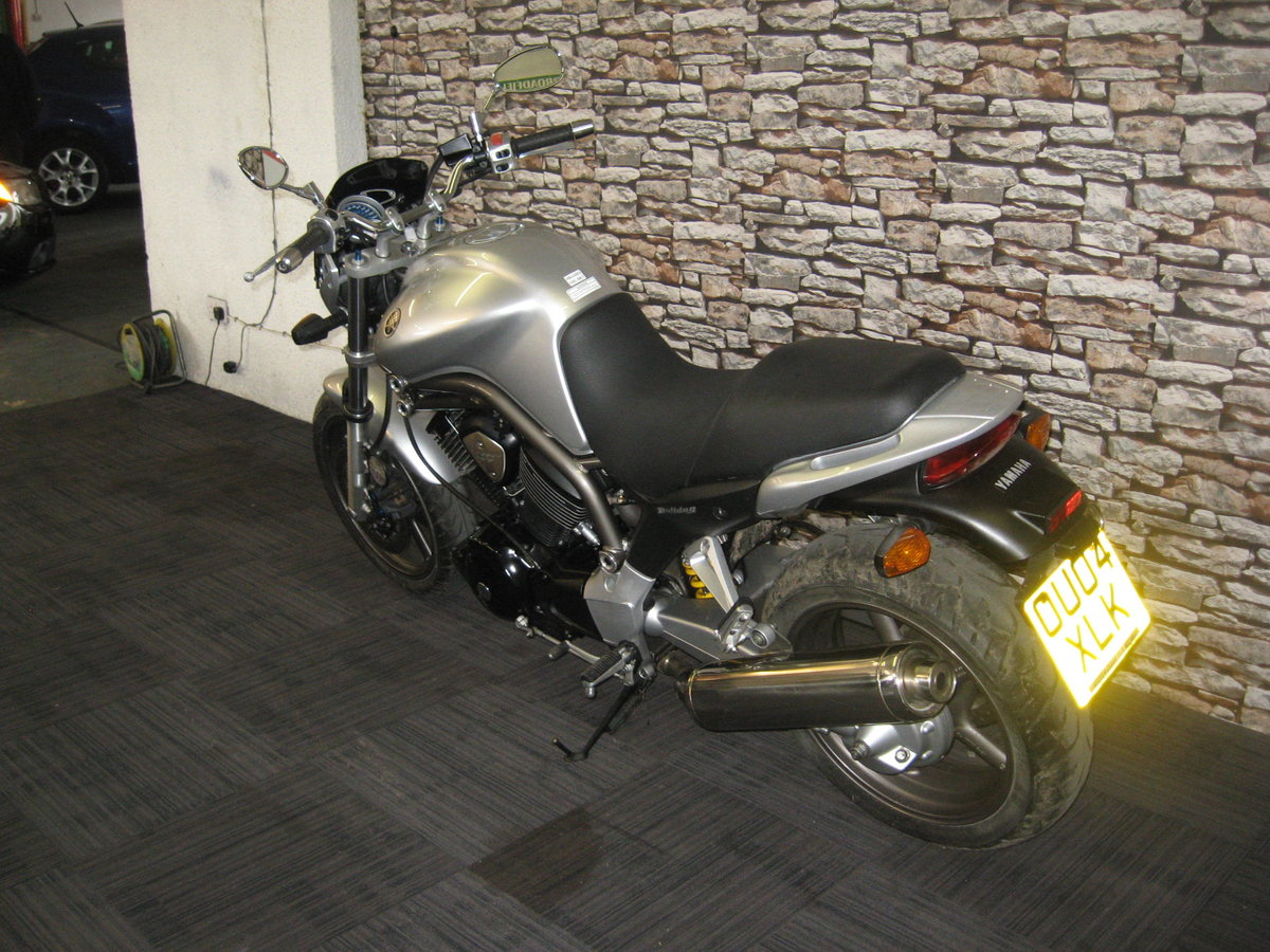 2004 04-reg Yamaha BT 1100 Bulldog finished in silver For Sale (picture 5 of 12)