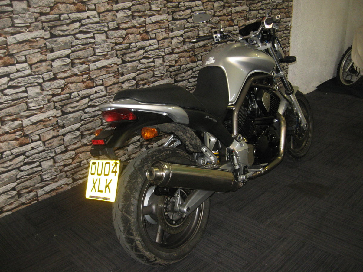 2004 04-reg Yamaha BT 1100 Bulldog finished in silver For Sale (picture 6 of 12)