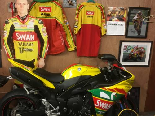 2012 Brand new  zero mile SMR BSB swan yamaha  demo For Sale (picture 1 of 3)