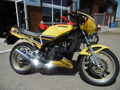 Yamaha RD350 1983 STUNNING RESTORED UK BIKE ! For Sale (picture 1 of 6)