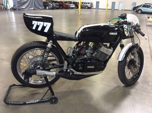 1977 Classic Yamaha RD400 2 stroke racing machine For Sale (picture 2 of 6)