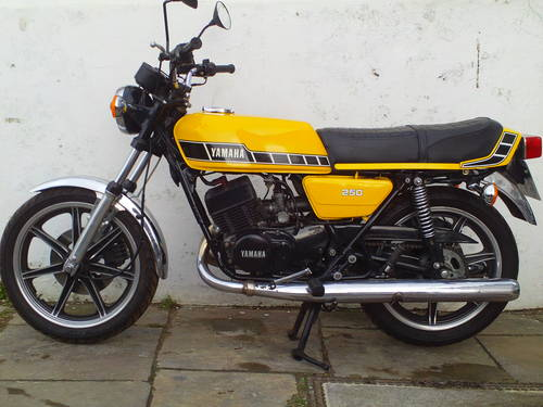 1980 YAMAHA RD250 F SOLD (picture 3 of 5)
