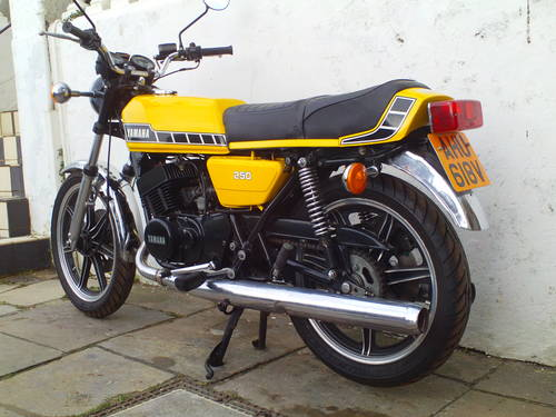 1980 YAMAHA RD250 F SOLD (picture 4 of 5)