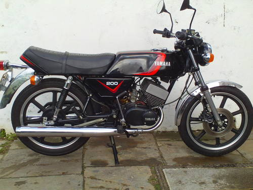 1981 YAMAHA RD200 F SOLD (picture 1 of 6)