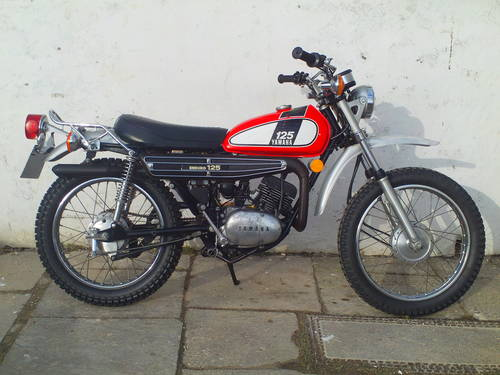 1975 YAMAHA DT125 ENDURO SOLD (picture 1 of 6)