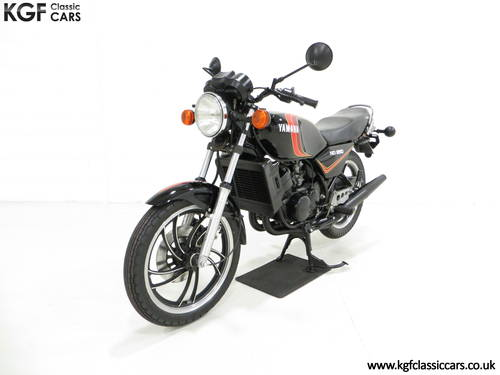 A New and Unregistered UK 1981 Yamaha RD250LC with 0.9 Miles SOLD (picture 2 of 6)