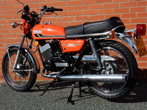 YAMAHA RD350 1974 347cc MOT'd JULY 2017 For Sale (picture 2 of 6)