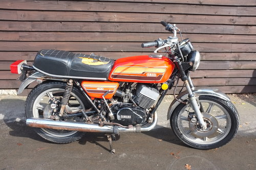Yamaha RD 400C RD400 C 1976 BARN FIND exceptional condition  SOLD (picture 1 of 6)