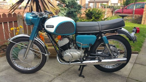 1964 YAMAHA YDS3 WITH MATCHING NUMBERS SOLD | Car And Classic