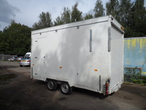 TALL TOW A VAN / WORK SHOP 6 METRE LONG INC A BAR SIDE DOOR