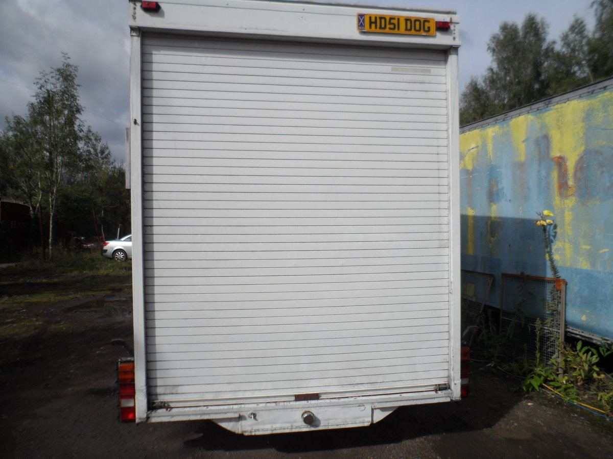 2000 TALL TOW A VAN / WORK SHOP 6 METRE LONG INC A BAR SIDE DOOR For Sale (picture 2 of 6)
