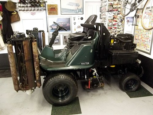 2002 HAYTER LT324 4WD 4 GANG DIESEL RIDE ON LAWNMOWER SOLD (picture 2 of 6)