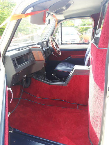 1995 LONDON TAXI - CONVERTIBLE - WEDDING CAR For Sale (picture 5 of 6)