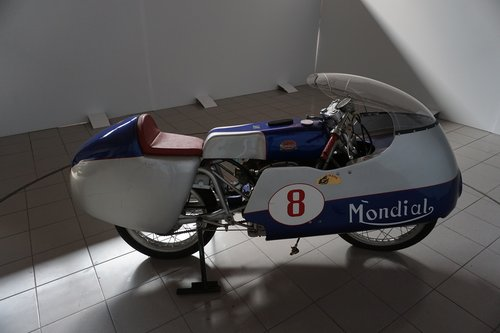 Mondial 220 RaceBike SOLD (picture 3 of 6)