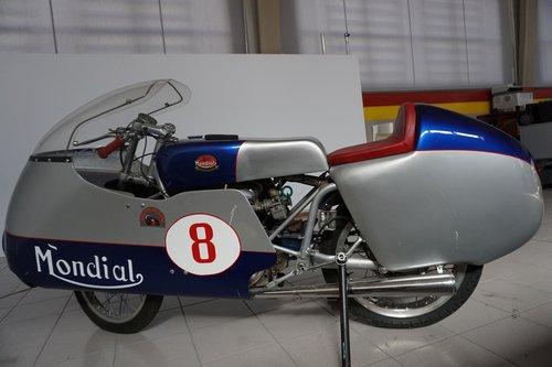 Mondial 220 RaceBike SOLD (picture 4 of 6)