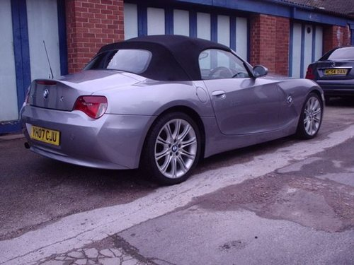 2007 BMW Z4 in Silver Grey Metallic For Sale (picture 2 of 6)
