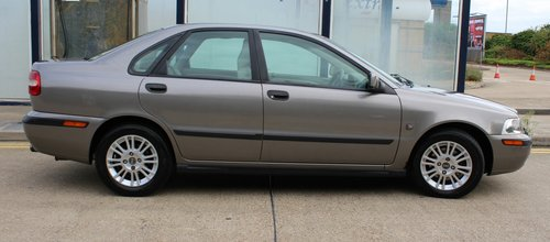 2004 Car in a clean shape fully serviced . For Sale (picture 4 of 6)