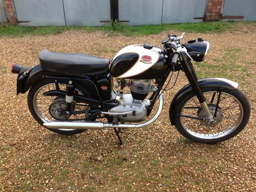 Mondial 125 sport  SOLD (picture 1 of 4)