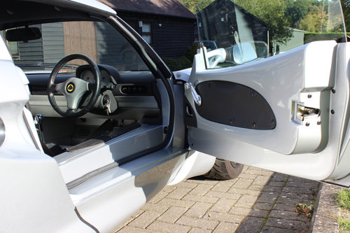 Lotus Exige S1 - 2000- 30,700 miles only - Full history For Sale (picture 3 of 6)