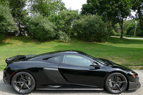 2016 McLaren 675LT with only 1358 miles For Sale (picture 2 of 6)