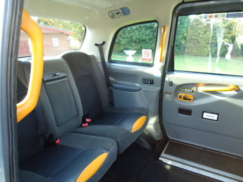 London Taxi TX2 2004 For Sale (picture 3 of 6)