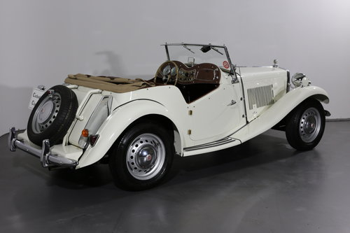 Delightful and now rare 1952 MG TD/C (competition) 57 bhp SOLD (picture 2 of 6)