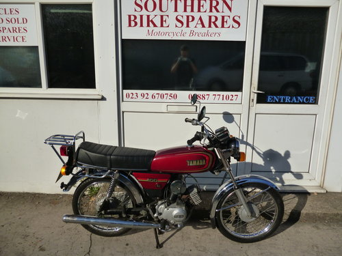 1989 Yamaha YB100 Deluxe *ONLY 2,430 MILES* 2-Stroke Classic For Sale (picture 1 of 6)
