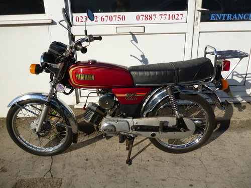 1989 Yamaha YB100 Deluxe *ONLY 2,430 MILES* 2-Stroke Classic For Sale (picture 2 of 6)