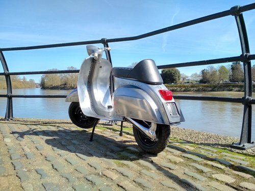 1981 VESPA 100 Smallframe DR130cc Engine FULLY RESTORED For Sale (picture 5 of 6)