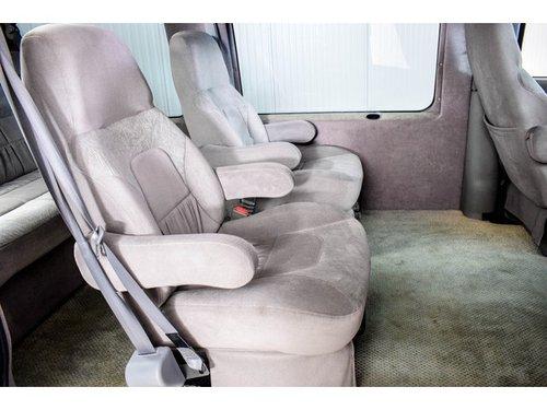2000 GMC 3500 Savana 5.7 V8 Campervan Regency For Sale (picture 5 of 6)