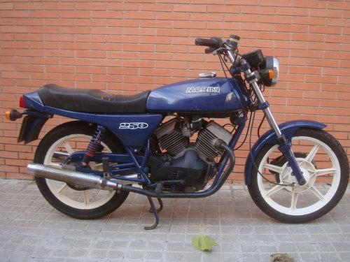 1984 Moto Morini 250 V For Sale (picture 1 of 6)