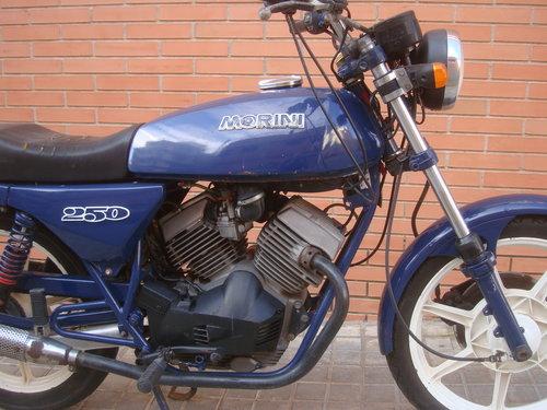 1984 Moto Morini 250 V For Sale (picture 2 of 6)