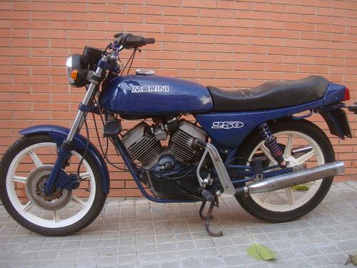 1984 Moto Morini 250 V For Sale (picture 3 of 6)