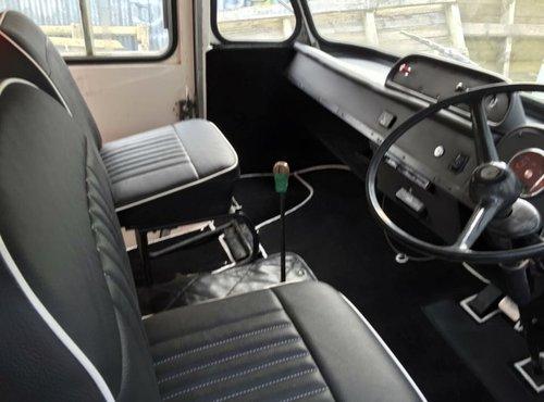 1971 VINTAGE BMC AMBULANCE For Sale (picture 3 of 6)