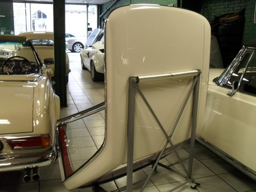 Mercedes Benz 113 Pagoda Hard Top For Sale (picture 1 of 3)