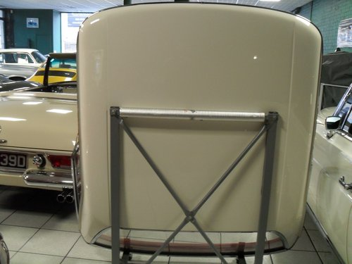 Mercedes Benz 113 Pagoda Hard Top For Sale (picture 2 of 3)
