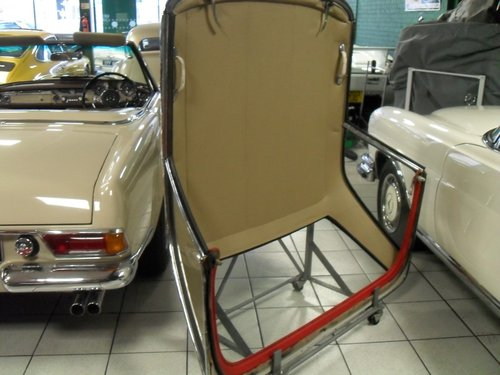 Mercedes Benz 113 Pagoda Hard Top For Sale (picture 3 of 3)