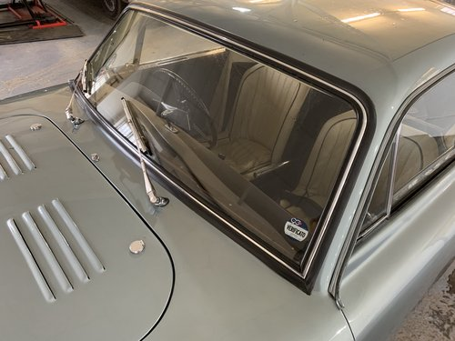 1950 AC Windscreens of New Manufacture (Greyhound,Aceca +3000 ME) For Sale (picture 3 of 6)