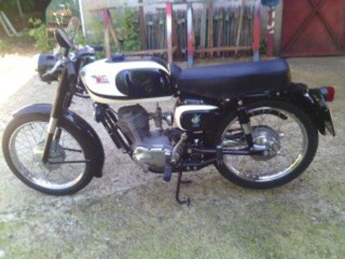 1962 Moto Morini Corsaro 125 cc black For Sale (picture 2 of 2)