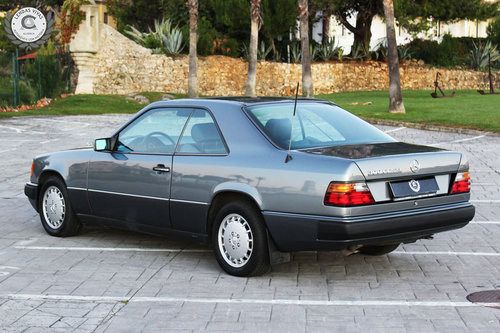Mercedes Benz 300 Ce 24V. 1990 For Sale (picture 2 of 6)