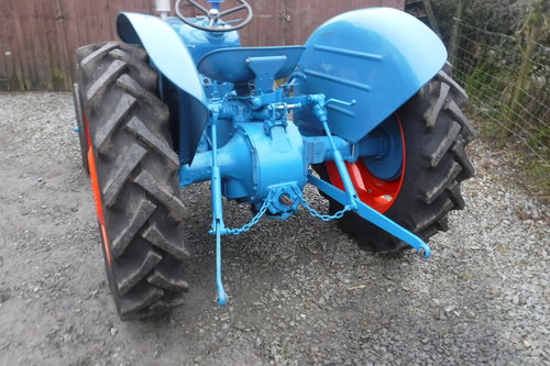 1961 FORDSON DEXTA READY TO ENJOY VINTAGE TRACTOR SEE VID DELIVER SOLD (picture 3 of 6)