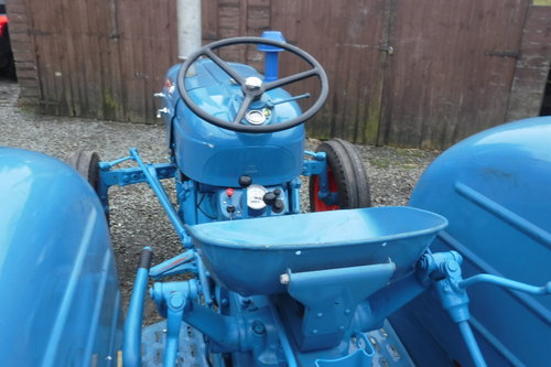 1961 FORDSON DEXTA READY TO ENJOY VINTAGE TRACTOR SEE VID DELIVER SOLD (picture 6 of 6)