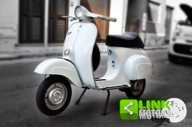 1970 VESPA V51AT COMPLETAMENTE RESTAURATA For Sale (picture 1 of 6)